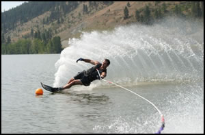 Boating water skiing Kelowna